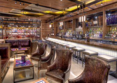 Holsteins Architecture Bar